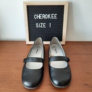 Cherokee girls shoes
